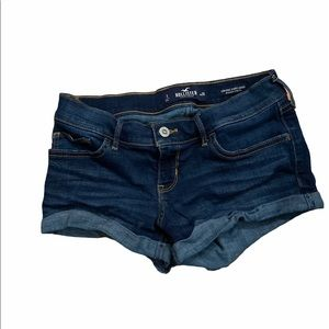 Hollister low rise jean short shorts size 26.